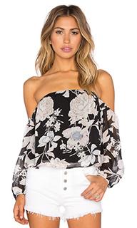 Укороченный топ с открытыми плечами и рукавом 3/4 - Lucca Couture