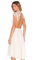 Кружевное платье с открытой спиной aaliyah - SAU