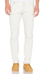 Рваные джинсы - 10 Deep