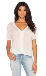 Укороченная футболка с v-образным вырезом и коротким рукавом - Enza Costa