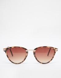 Овальные солнцезащитные очки кошачий глаз с металлической переносицей Asos