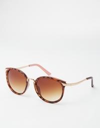 Круглые солнцезащитные очки с металлической переносицей ASOS