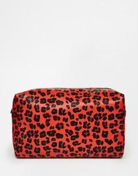 Oversize-косметичка с леопардовым принтом ASOS - Мульти
