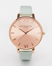 Большие часы с циферблатом цвета розового золота и бледно-зеленым реме Olivia Burton