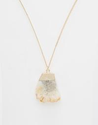 Золотистое ожерелье с подвеской из полудрагоценного камня ASOS
