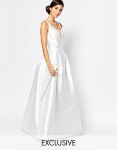 Свадебное платье макси с вырезом капелькой сзади Chi Chi London