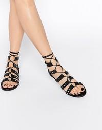 Сандалии на шнуровке с заклепками Boohoo Aimee - Черный