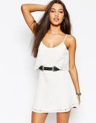 Платье с кружевным верхним слоем Abercrombie & Fitch - Белое кружево