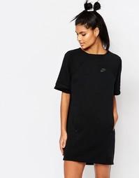 Роскошное флисовое платье-футболка Nike - Черный