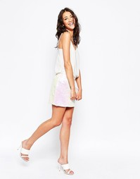 Мини-юбка с отделкой радужными пайетками Glamorous