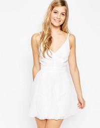 Фактурное платье мини с шевронной отделкой ASOS - Белый