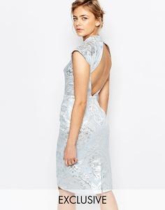 Парчовое платье‑футляр с открытой спинкой Chi Chi London - Синий