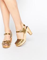 Золотистые плетеные сандалии на высоком каблуке Swedish Hasbeens