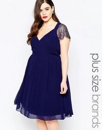 Приталенное платье с глубоким вырезом и отделкой на рукавах Little Mis