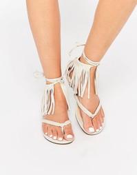 Песочные гладиаторские сандалии с бахромой Glamorous - Stone