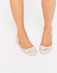 Белые матовые туфли на плоской подошве Melissa Campana Barroca