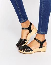 Черные кожаные туфли на плоской подошве с эффектом змеиной кожи Swedis Swedish Hasbeens