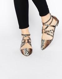 Балетки с острым носком ASOS LORI - Snake