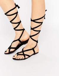 Черные сандалии с плетеными завязывающимися ремешками Glamorous