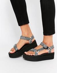 Черные сандалии с эффектом трещин на платформе Teva Universal