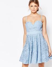 Кружевное платье мини для выпускного с вырезом сердечком Forever Uniqu