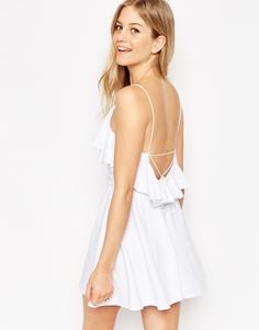 Короткое приталенное платье с рюшами ASOS - Белый