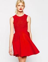 Короткое приталенное платье мини с 3D цветами ASOS - Красный