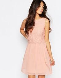 Короткое приталенное платье с кружевной отделкой Club L - Розовый