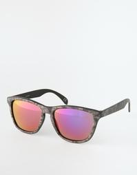 Квадратные солнцезащитные очки со змеиным принтом ASOS - Мульти
