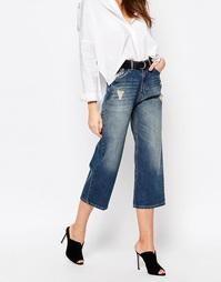 Укороченные потертые джинсы Sisley - 901 синий