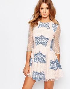 Кружевное платье мини с полупрозрачными вставками Millie Mackintosh