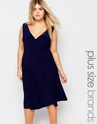 Платье с запахом крест-накрест Boohoo Plus - Темно-синий
