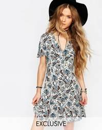 Платье с короткими рукавами и цветочным принтом Reclaimed Vintage