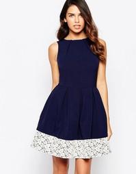 Приталенное платье со свободной юбкой и кружевной отделкой Closet