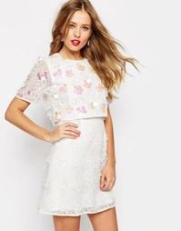 Платье мини с укороченным лифом с вышивкой 3D ASOS SALON - Белый