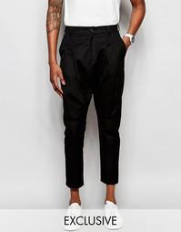 Укороченные брюки со складками Unplugged Museum - Черный