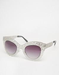 Солнцезащитные очки с ажурной оправой Jeepers Peepers - Серебряный