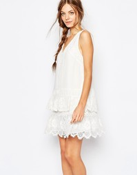 Платье с отделкой кроше Greylin Brodie - Белый