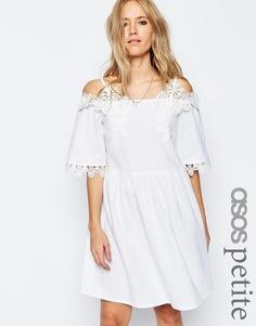 Cарафан с открытыми плечами и вышивкой ASOS PETITE Premium - Белый