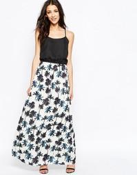 Платье макси с пальмовым принтом Sugarhill Boutique - Мульти