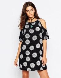 Платье с открытыми плечами Motel Savannah - Черный