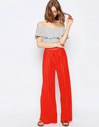 Трикотажные брюки с широкими штанинами и складками ASOS - Красный