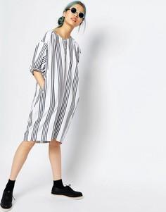 Oversize-платье в полоску Monki - В белую и синюю полоску