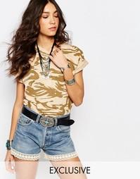 Oversize-футболка бойфренда с камуфляжным принтом Reclaimed Vintage