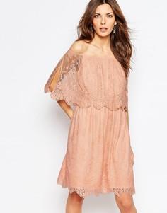 Кружевное двухслойное платье с открытыми плечами Vila