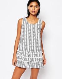 Цельнокройное платье с принтом и кисточками Moon River - Белый