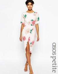 Платье с запахом спереди и цветочным принтом ASOS PETITE Occasion