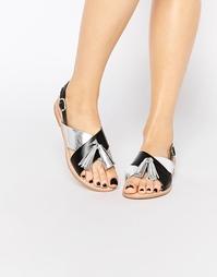 Кожаные сандалии цвета металлик с кисточками Vero Moda Premium