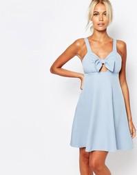 Платье на бретельках с бантом спереди Fashion Union - Синий