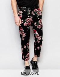 Зауженные брюки с цветочным принтом Reclaimed Vintage - Черный